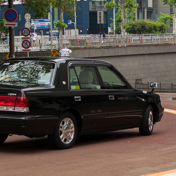 中高年の安心感が活きるタクシー業界